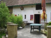 Vstup do restaurace (Prodej restaurace 750 m², Hromnice)