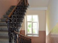 Schodiště domu - Prodej bytu 2+1 v osobním vlastnictví 61 m², Plzeň