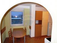 jídelní stůl (Pronájem bytu 2+1 v osobním vlastnictví 59 m², Plzeň)