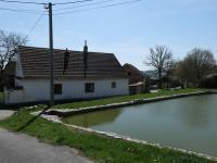 Prodej domu v osobním vlastnictví 100 m², Vlčtejn