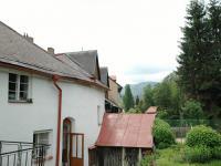 Pohled ze zahrady na Libín (Prodej domu v osobním vlastnictví 400 m², Prachatice)