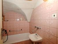 Koupelna (Prodej domu v osobním vlastnictví 400 m², Prachatice)