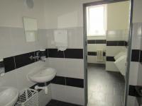 WC - Pronájem kancelářských prostor 18 m², Plzeň
