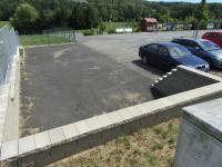: privátní parkovací stání k pozemku - Prodej pozemku 4647 m², Šťáhlavy