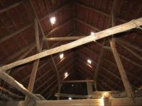 : funkční krov střecha ve stodole (Prodej domu v osobním vlastnictví 229 m², Chválenice)