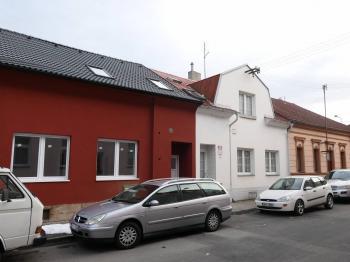 Pronájem bytu Garsoniéra v osobním vlastnictví 40 m², Tymákov