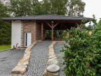 : obytné stání na 3 vozy - Prodej domu v osobním vlastnictví 245 m², Žinkovy