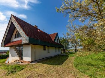 Prodej domu v osobním vlastnictví 200 m², Úherce