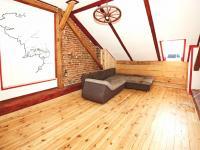 Obývací pokoj podkroví - Prodej domu v osobním vlastnictví 320 m², Manětín