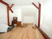 Ložnice podkroví - Prodej domu v osobním vlastnictví 320 m², Manětín