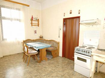 Kuchyně přízemí - Prodej domu v osobním vlastnictví 320 m², Manětín