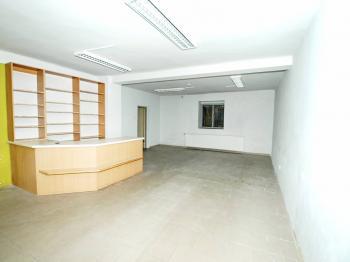 Pohled od výlohy - Pronájem komerčního objektu 54 m², Třemošná