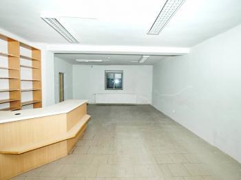 Pohled od vchodu - Pronájem komerčního objektu 54 m², Třemošná