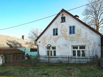 Pohled na chalupu - Prodej chaty / chalupy 85 m², Planá