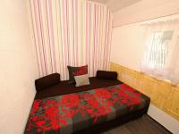 Ložnice v přízemí - Prodej domu v osobním vlastnictví 82 m², Zádub-Závišín
