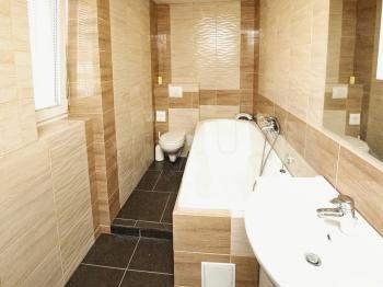 Koupelna - Prodej bytu 3+kk v osobním vlastnictví 58 m², Vejprnice