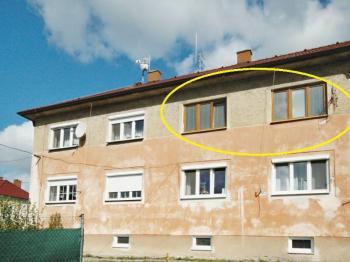 Pohled na dům zezadu - Prodej bytu 3+kk v osobním vlastnictví 58 m², Vejprnice
