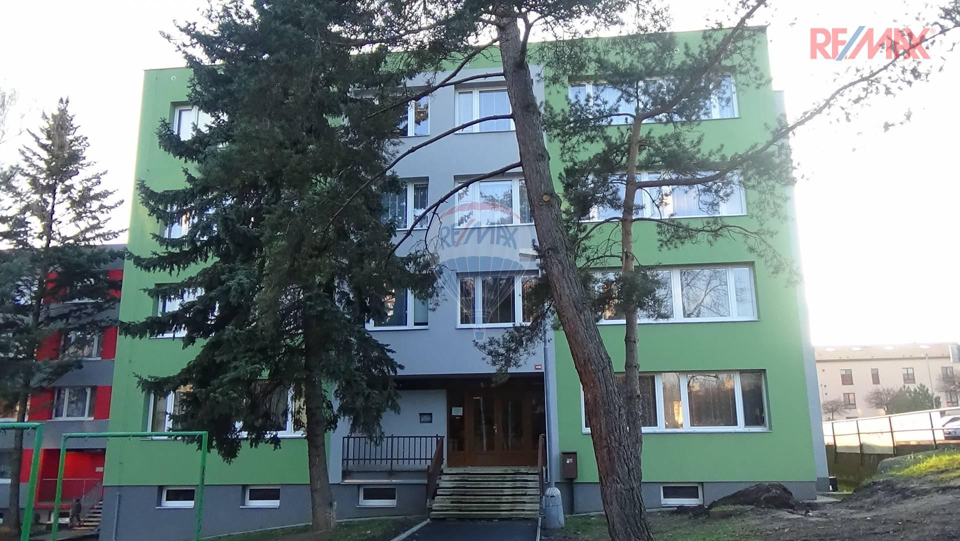 Byt 2+1 57 m2 se zahradou 400 m2, Pod Homolkou, Praha