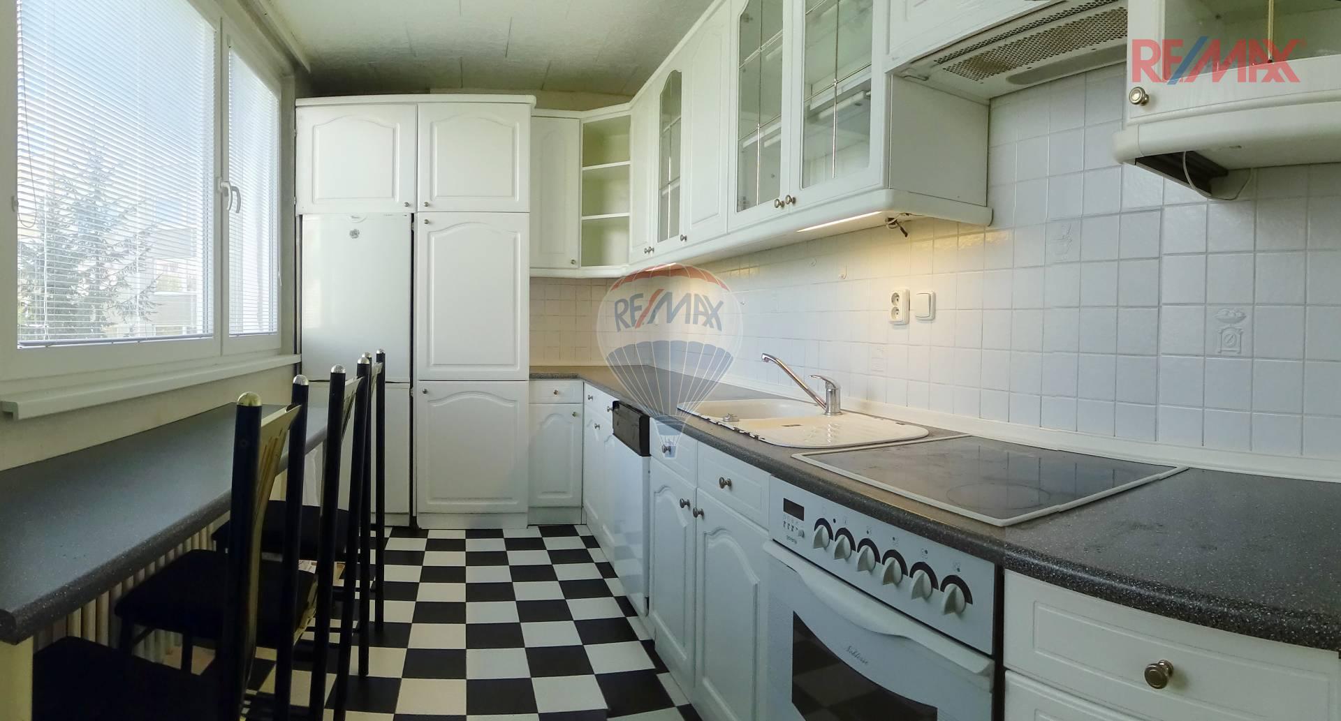 Byt 3+1 69 m2 + 3,5 m2 lodžie, Lamačova - Praha 5 - Hlubočepy