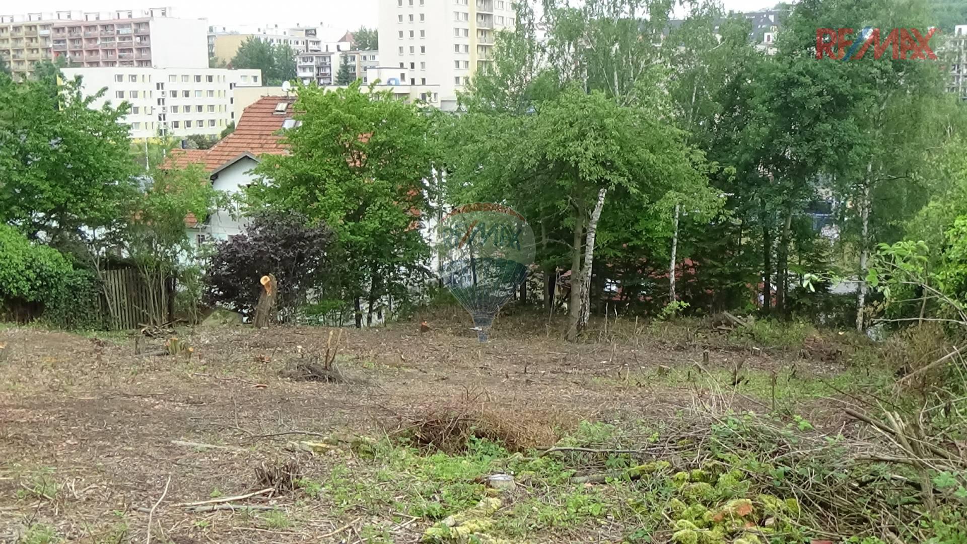 Prodaný stavební pozemek pro stavbu rodinného domu 1455 m2, Praha 5 - Stodůlky