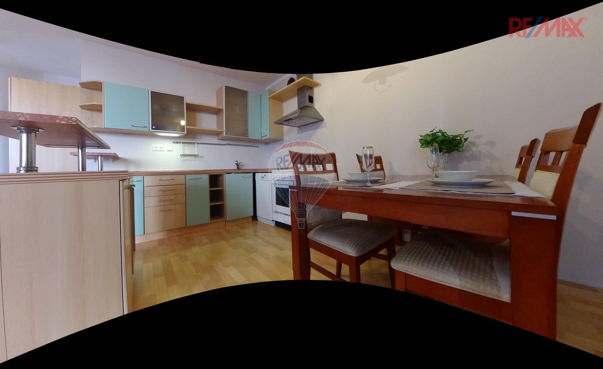 Pronájem prostorného bytu 2+kk (88 m2) s terasou na Trnkově náměstí