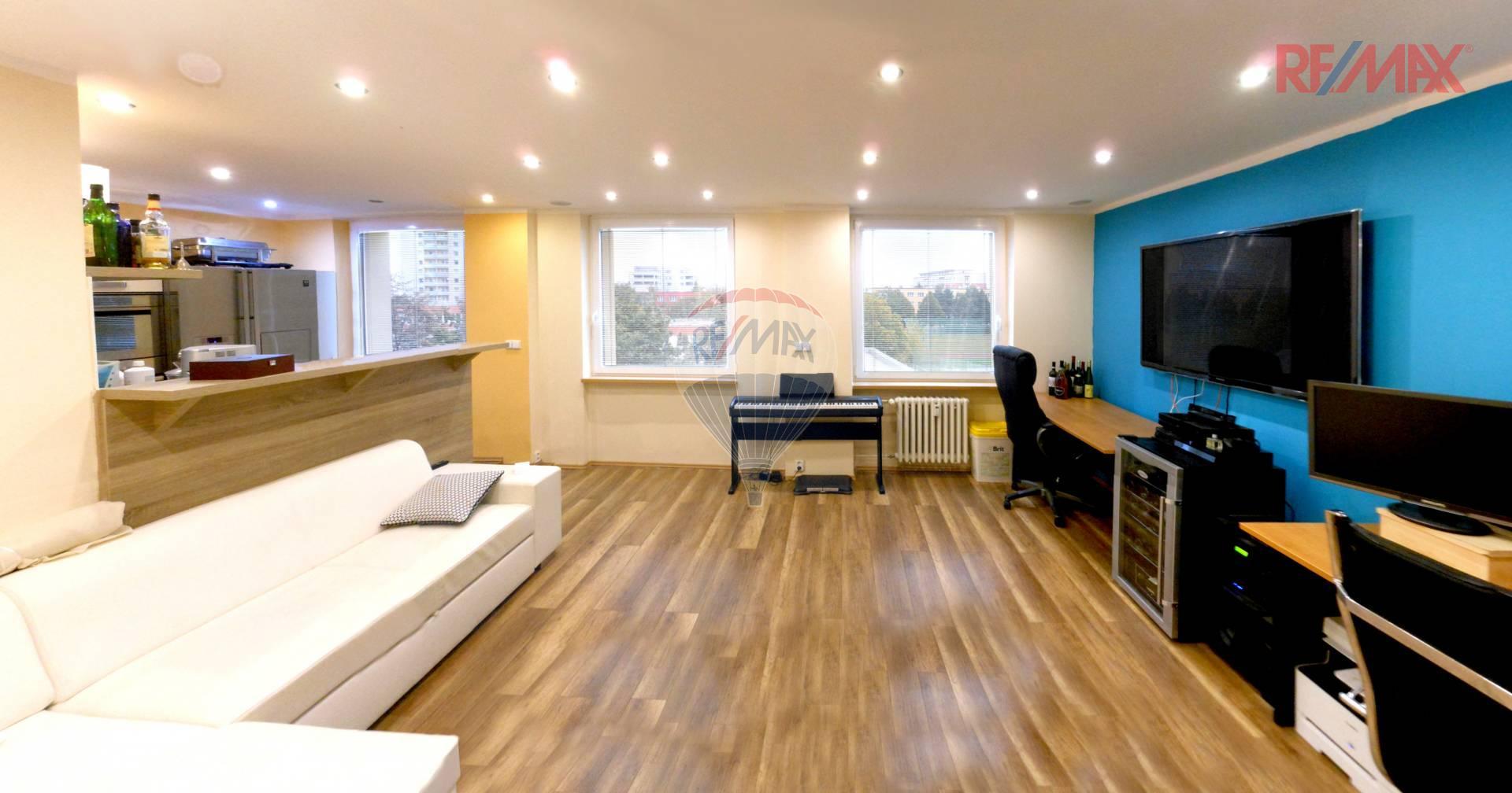 Prodej atraktivního bytu  2+kk (z původního 3+1) s lodžií, 77 m2 - Tupolevova