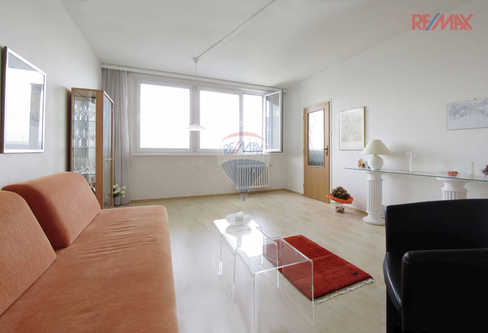 Pronájem krásného byt 3+1 s lodžií, Pražského, Praha 5