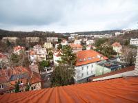 Výhled z oken (Prodej bytu 4+1 v osobním vlastnictví 92 m², Praha 5 - Smíchov)