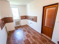 Kuchyň (Prodej bytu 4+1 v osobním vlastnictví 92 m², Praha 5 - Smíchov)