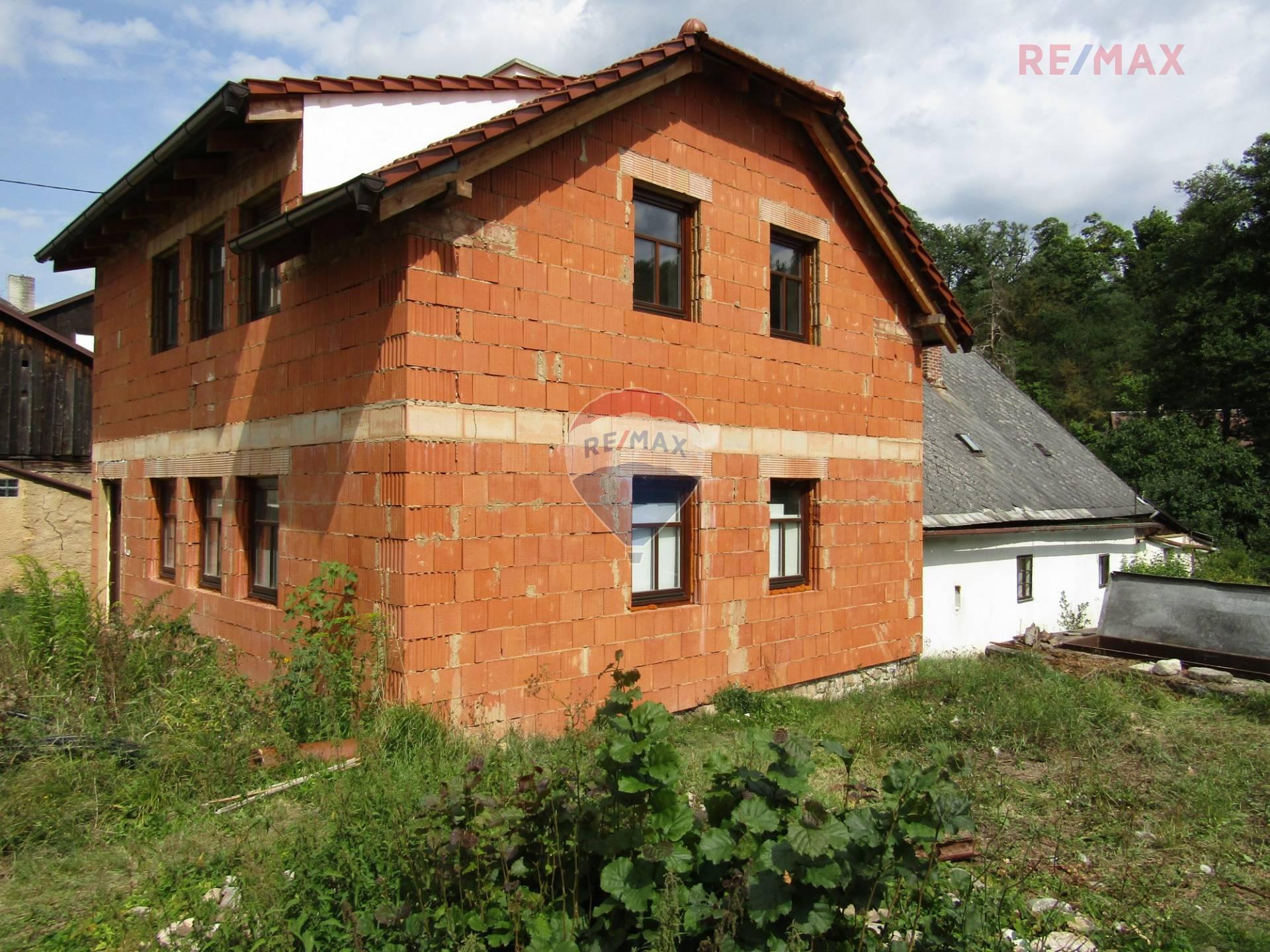 Prodej domu Nečtiny