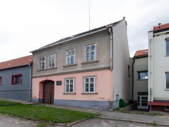 Dům - Prodej domu v osobním vlastnictví 193 m², Dub