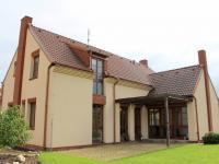 Prodej domu v osobním vlastnictví 215 m², Dobřejovice