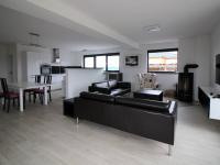 Pronájem domu v osobním vlastnictví 250 m², Zbuzany