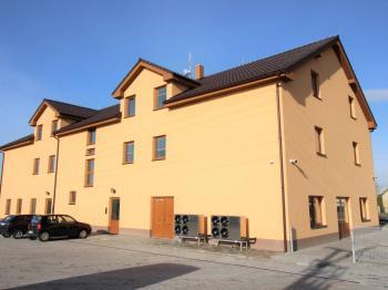 Pronájem kancelářských prostor 190 m², Rostoklaty