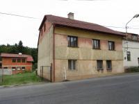 Pohled na dům z ulice (Prodej domu v osobním vlastnictví 260 m², Nečtiny)