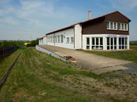 Prodej komerčního objektu 650 m², Chvatěruby