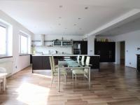 Prodej bytu 5+1 v osobním vlastnictví 181 m², Praha 10 - Hostivař