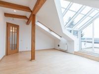 Prodej domu v osobním vlastnictví 459 m², Praha 9 - Hloubětín