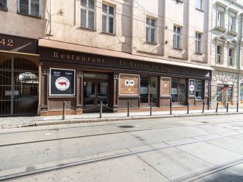 Pronájem komerčního objektu 242 m², Praha 5 - Smíchov