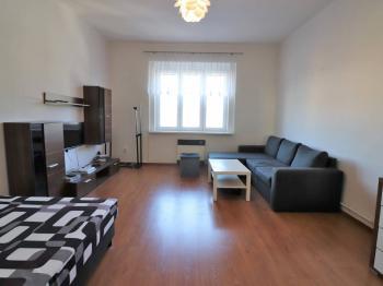 Prodej bytu 1+kk v osobním vlastnictví 37 m², Praha 5 - Smíchov