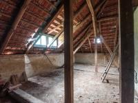 Půda - Prodej domu v osobním vlastnictví 607 m², Krásná Hora nad Vltavou