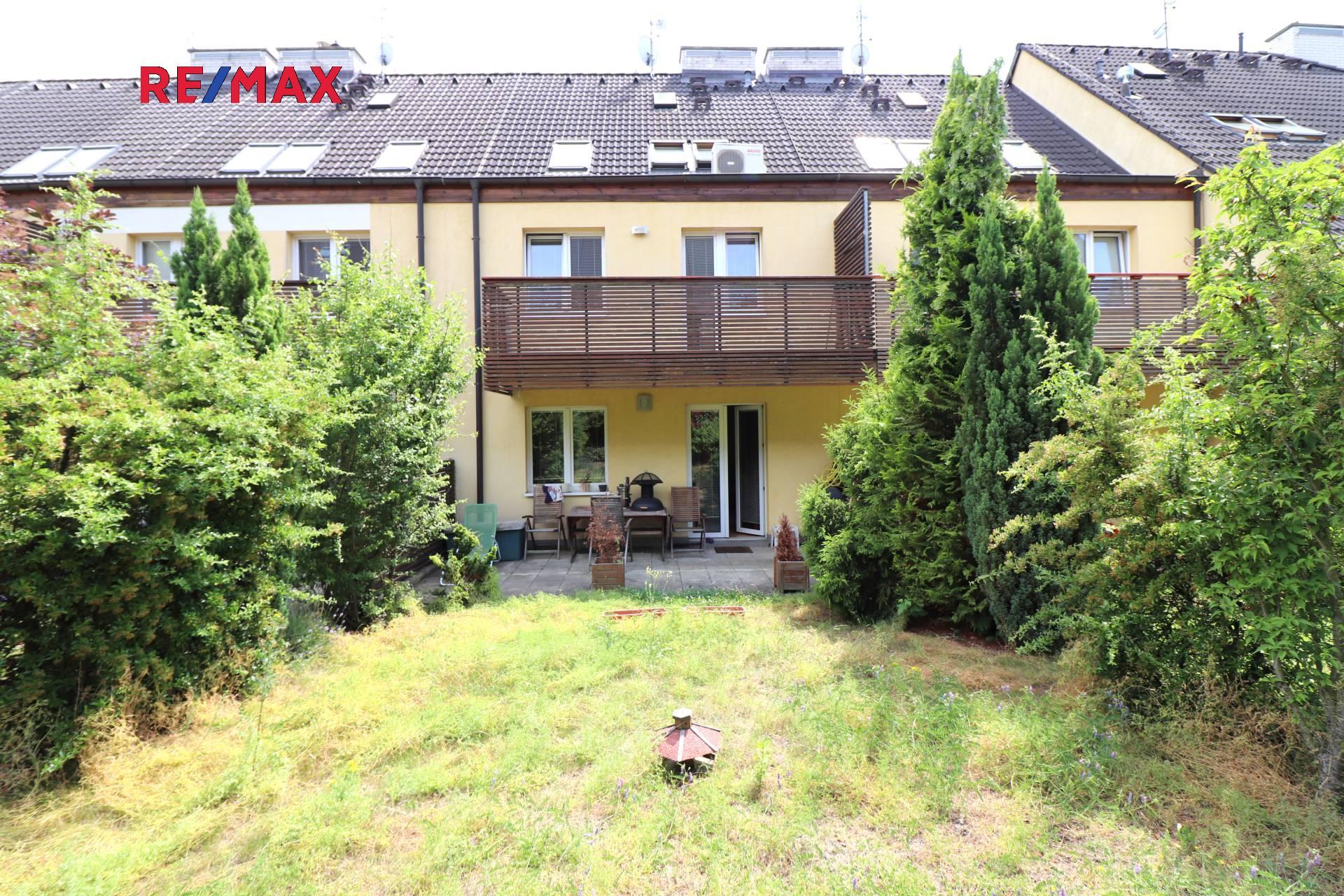 Pronájem domu v osobním vlastnictví 250 m², Praha 6 - Řepy