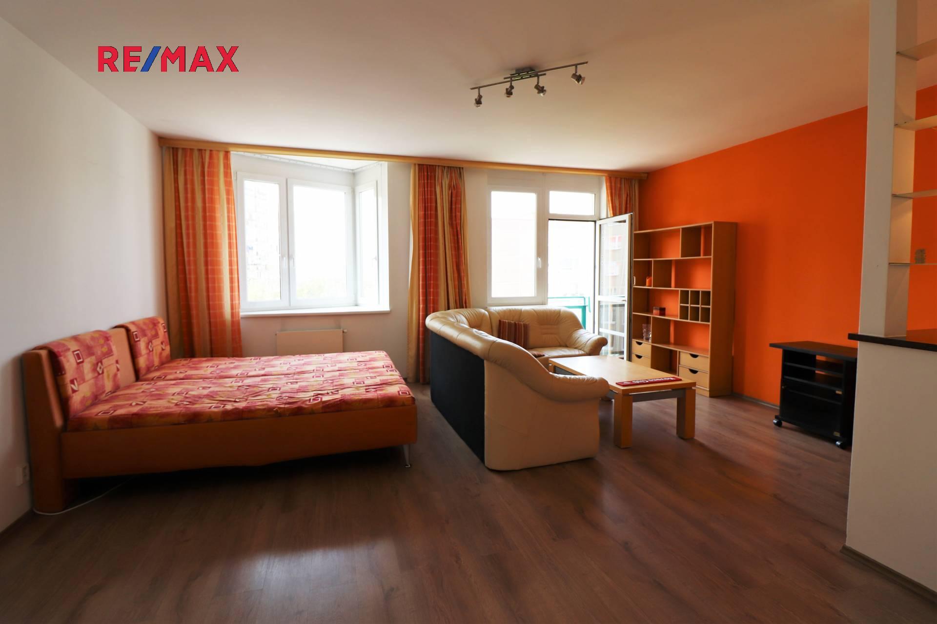 Prodej bytu 1+kk v osobním vlastnictví 46 m², Praha 5 - Hlubočepy