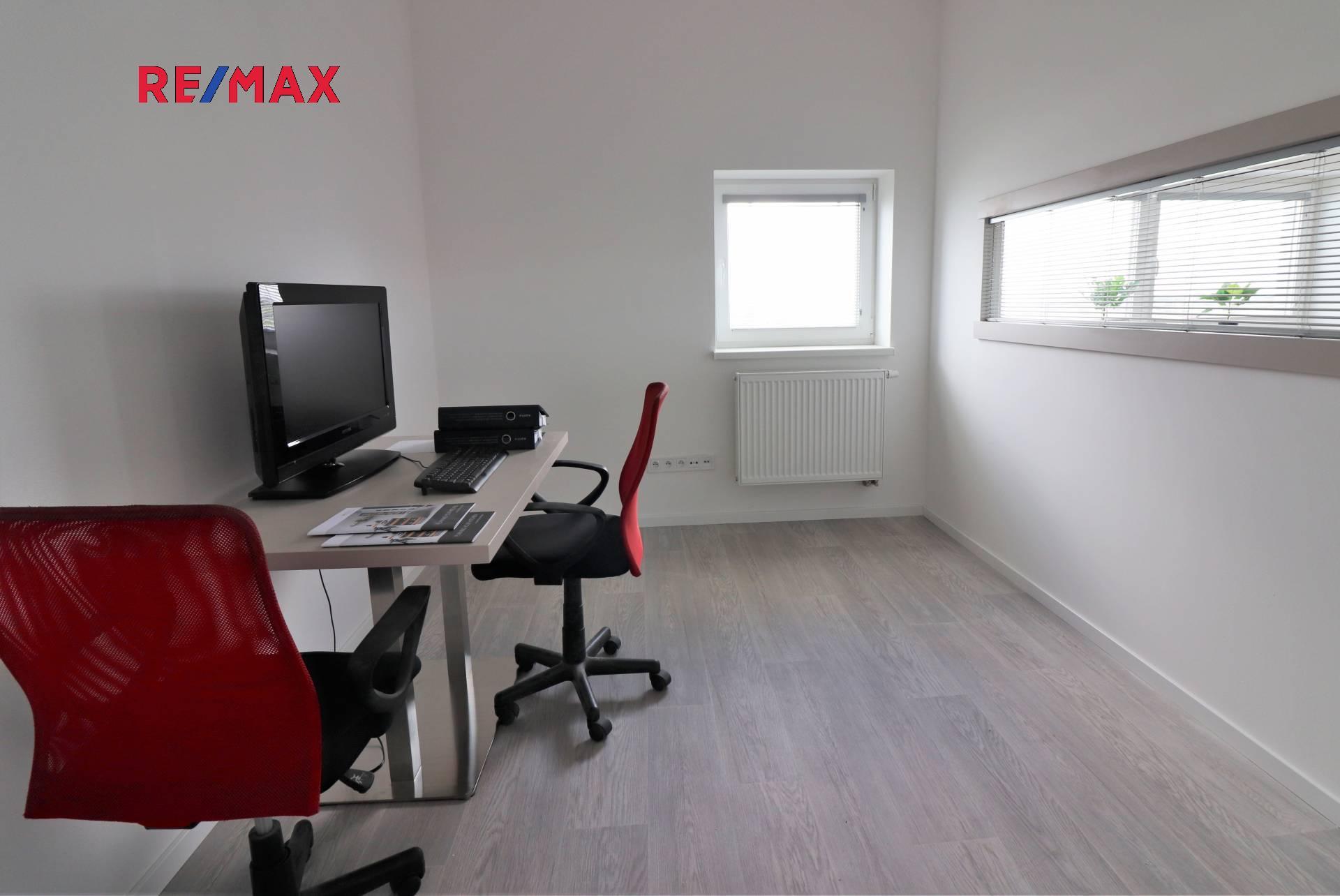 Pronájem kancelářských prostor 46 m², Praha 10 - Uhříněves