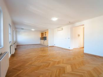 Galerie  - Pronájem bytu 2+kk v osobním vlastnictví 110 m², Praha 1 - Hradčany
