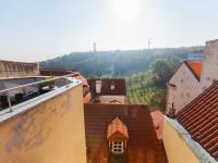 Výhled z bytu - Pronájem bytu 2+kk v osobním vlastnictví 110 m², Praha 1 - Hradčany