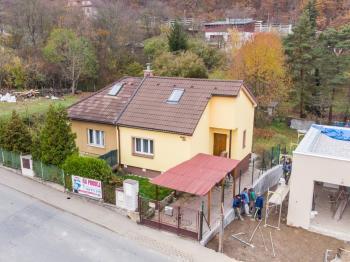 Vila, větší RD na prodej, Radotín