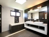 koupelna v patře - Pronájem domu v osobním vlastnictví 168 m², Ohrobec