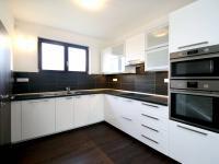 kuchyňsý kout - Pronájem domu v osobním vlastnictví 168 m², Ohrobec