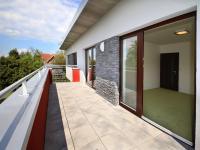 terasa v patře - Pronájem domu v osobním vlastnictví 168 m², Ohrobec